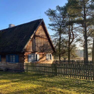 Zdjęcie przedstawia obiekt ze wsi Turznica
