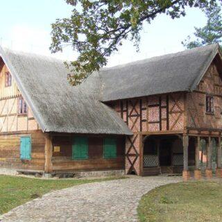 Chałupa ze wsi Chojnik.