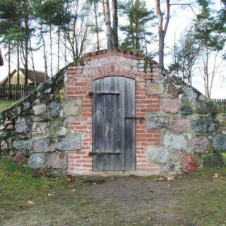 Piwnica ze wsi Pacółtowo.