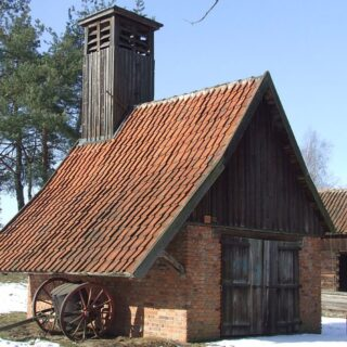 Remiza strażacka ze wsi Giedajty.