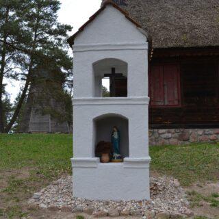 Kapliczka ze wsi Redykajny.