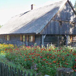 Chałupa ze wsi Nowa Różanka.