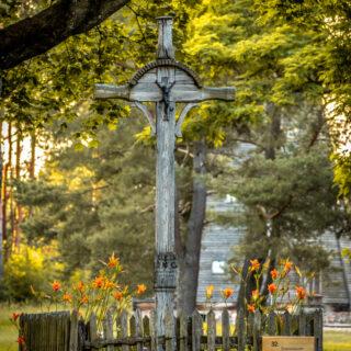 Krzyż przydrożny ze wsi Rzeck.
