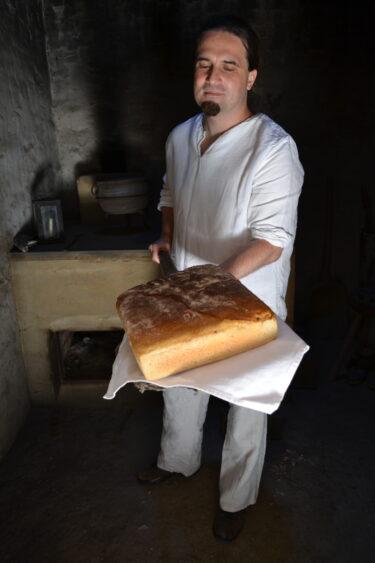Prezentacja chleba oraz pieca